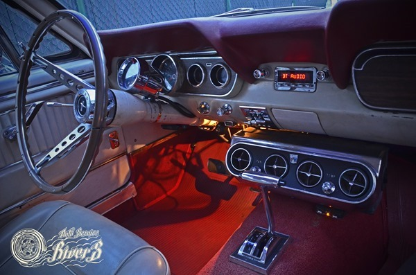 Retro Sound 1966 Ford Mustang GT fastback