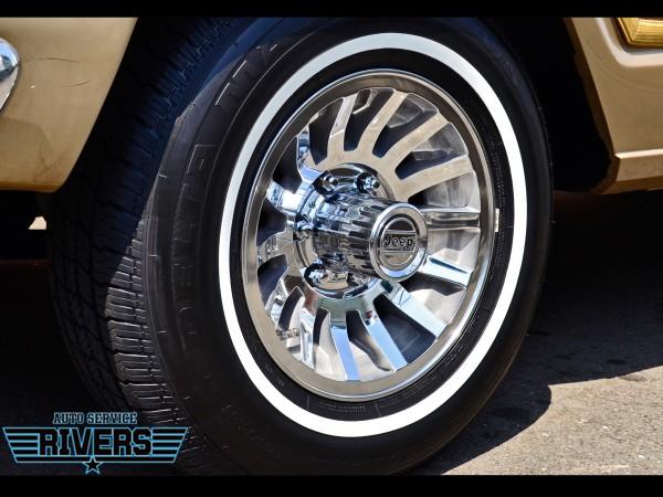 89y Jeep Grand Wagoneer_37.jpg