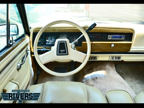 89y_Jeep_Grand_Wagoneer_009.jpg